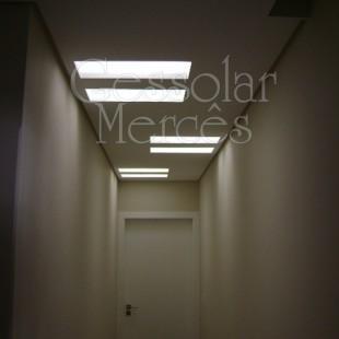 Gesso no corredor com luminárias 2